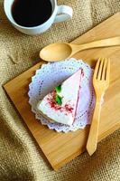 pastel de terciopelo rojo foto