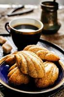 Madeleine cookies with cinnamon and poppy seeds