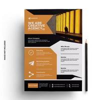 design de flyer laranja em tamanho A4