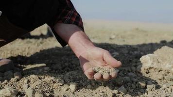 mão do fazendeiro.