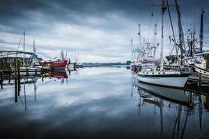 barcos en el puerto foto