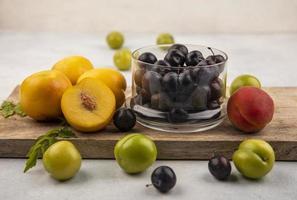 vista lateral de fruta fresca