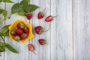 Vista superior de deliciosas fresas frescas