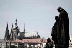 praga, república checa, 2020 - iglesia de la madre de dios antes de tyn durante el día
