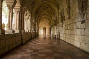 pasillos del antiguo monasterio foto