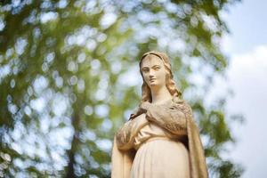 estatua de la virgen maría