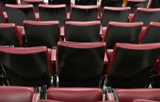 silla de conferencia roja foto