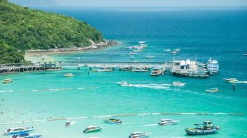 Koh Larn Island Tropical Beach in Pattaya City, Thailand photo
