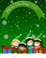 feliz navidad 2020 logotipo de fuente con niños usan máscara personaje de dibujos animados vector