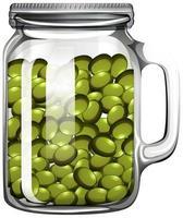 aceitunas en el frasco de vidrio