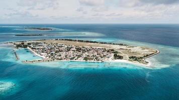 vista aérea de la isla hinnavaru foto