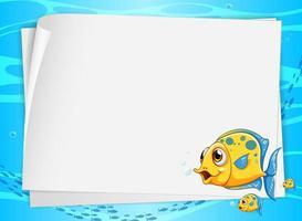 Banner de papel en blanco con lindos peces y en el fondo submarino