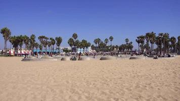 foto do parque de skate da praia de veneza e passarela da areia 4k