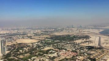 vista aérea del desierto en dubai 4k