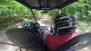 aventura de conducción en buggy clip de archivo