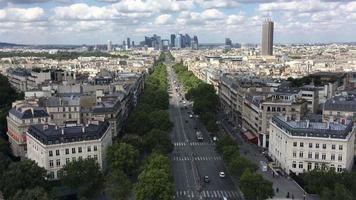 vista de pájaro del centro de parís, francia 4k video