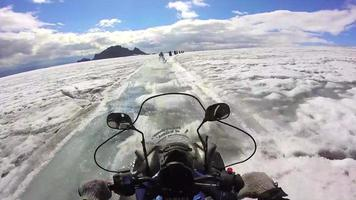 Images gopro de motoneige sur glacier en Islande hd video
