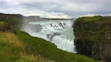 enormes cascadas en islandia 4k video