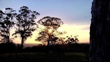puesta de sol australiana en el interior