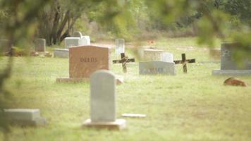 boneca lenta do cemitério video