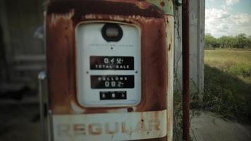 bomba de gasolina velha