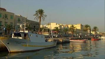 área portuária em matera itália video