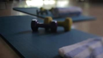 rotolo di asciugamano da allenamento video