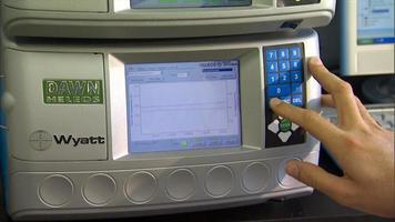 equipamento de laboratório tela lcd video