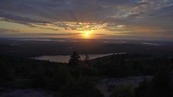 puesta de sol en el horizonte 4k
