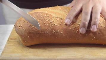 cortar pão