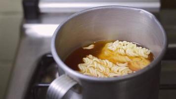 cocinar ramen