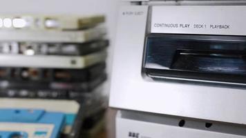 casetes compactos viejos en caso
