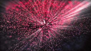pequeños rayos que se iluminan a través de objetos rojos lejanos y partículas brillantes video
