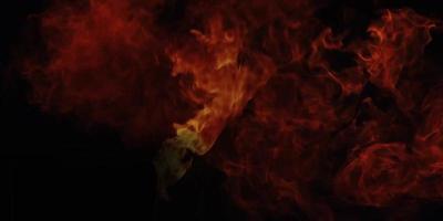 grande bola de fogo em chamas no fundo preto