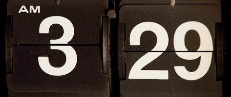 Cambio de reloj retro de 03:29 am a 03:30 am en 4k