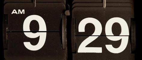 relógio flip retro mudando das 09:29 às 09:30 em 4k video