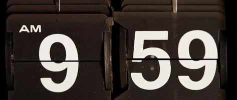 retro flip clock mudando das 09:59 às 10:00 em 4k video