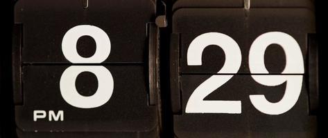cambio de reloj retro de 08:29 pm a 08:30 pm en 4k
