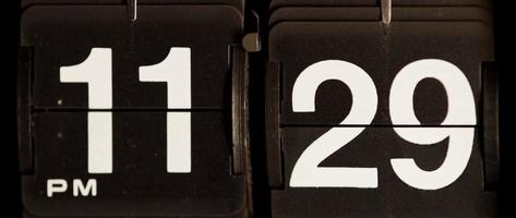 cambio de reloj retro de 11:29 pm a 11:30 pm en 4k