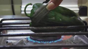 chile verde tostado video