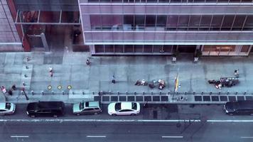 trânsito na calçada da cidade de nova york 4k video