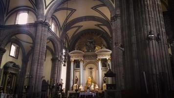 colunas e cúpula da catedral metropolitana video