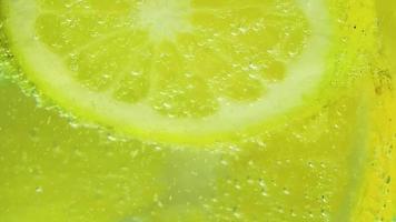 cierre extremo de limón y soda