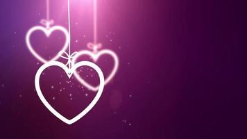 corações de papel dos namorados caindo pendurados em um fio de fundo rosa