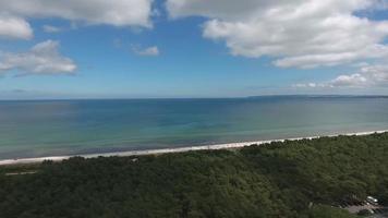 vista aérea do mar Báltico, juliusruh, ilha ruegen video