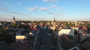 vista aérea da antiga cidade medieval do castelo da turíngia em altenburg video