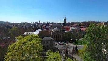 panorama da velha cidade medieval de altenburg video