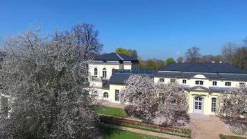 casa de chá do castelo em altenburg verão primavera verde video