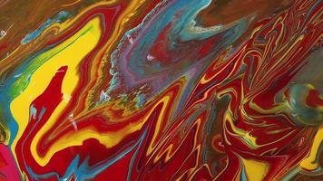 mezcla de yellos rojos y pinturas azules