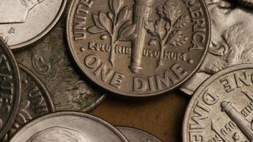Tournage de séquences d'archives de dix cents américains (pièce de monnaie - 0,10 $) - argent 0205